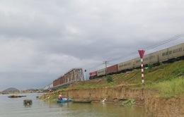 Nghệ An: Sạt lở đe dọa đường sắt Bắc - Nam