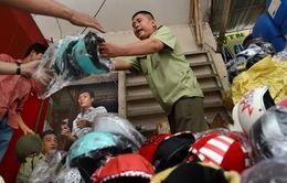 Ngày mai (1/7), xử phạt sản xuất kinh doanh, sử dụng mũ bảo hiểm không đạt chuẩn: Còn lắm băn khoăn!