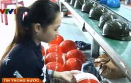 Doanh nghiệp sản xuất mũ bảo hiểm đạt chuẩn lao đao