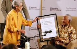 Nữ nhà văn Nam Phi đoạt giải Nobel qua đời ở tuổi 90