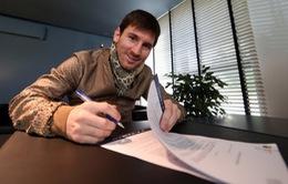 Lionel Messi gia hạn hợp đồng với Barca và hưởng lương cao nhất thế giới