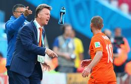 HLV Louis van Gaal chính thức nắm quyền Manchester United tại Mỹ