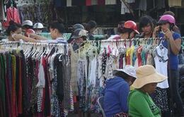 TP.HCM: Ồ ạt hàng thời trang giảm giá dịp lễ Tết