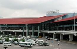 Sân bay Nội Bài sẽ tạm thời đóng bớt cửa ra vào
