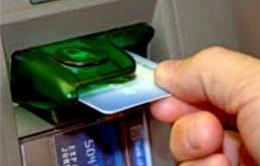 NHNN yêu cầu báo cáo biểu phí dịch vụ thẻ