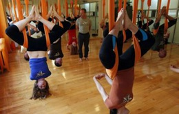 """""""Yoga phi trọng lực"""" thành trào lưu ở Indonesia"""