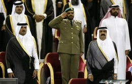 Tiểu vương Qatar tuyên bố thoái vị
