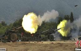Hàn Quốc tập trận bắn đạn thật