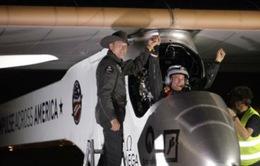 Máy bay năng lượng mặt trời hoàn thành chuyến bay xuyên Mỹ