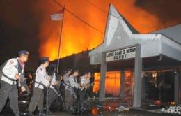 Hàng trăm tù nhân vượt ngục tại Indonesia