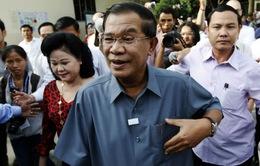 Thủ tướng Campuchia bác tin đồn trốn ra nước ngoài