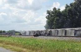 Louisiana: Tàu hỏa trật bánh, chất độc rò rỉ ra ngoài