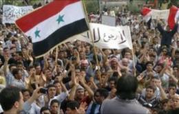 Syria: Tuần hành thách thức đe dọa can thiệp của phương Tây