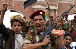 Chiến binh bộ tộc bắn rơi trực thăng quân đội Yemen