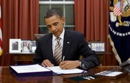 Tổng thống Mỹ ký ban hành đạo luật nâng trần nợ công