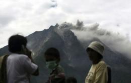 Hàng nghìn người Indonesia sơ tán do núi lửa phun trào