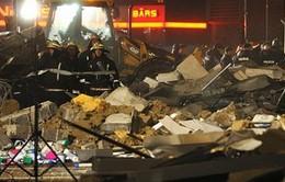 Latvia: Sập mái siêu thị làm 6 người chết