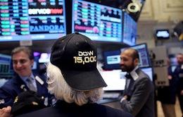 Dow Jones, S&P 500 lập kỷ lục trên sàn chứng khoán Mỹ
