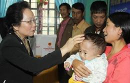 Phó Chủ tịch nước thăm nhân dân vũng bị thiệt hại do bão tại Quảng Trị