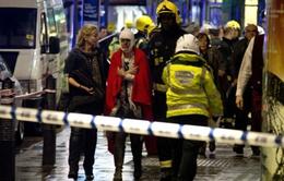 Anh: Sập ban công nhà hát, 90 người bị thương