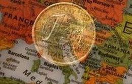 Latvia gia nhập Eurozone