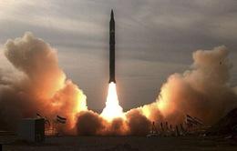 Iran thử nghiệm thành công hai tên lửa tầm xa mới