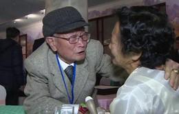 Đẫm nước mắt cuộc đoàn tụ các gia đình ly tán hai miền Triều Tiên