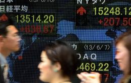 Chính sách Abenomics và khó khăn trên thị trường lao động