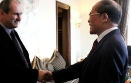 Chủ tịch Quốc hội Nguyễn Sinh Hùng tiếp Tổng Bí thư Đảng Tái lập Cộng sản Italy