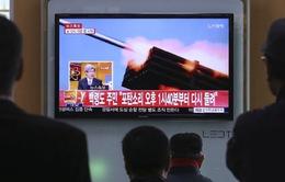 Hàn Quốc và Triều Tiên đấu pháo trên biển