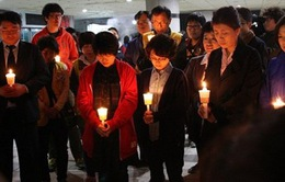 Hàn Quốc cầu nguyện cho những nạn nhân mất tích trong vụ chìm phà Sewol