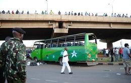 Đánh bom xe buýt ở Kenya, hơn 60 người thương vong