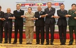 Các Bộ trưởng Quốc phòng ASEAN gặp riêng Bộ trưởng Quốc phòng Trung Quốc