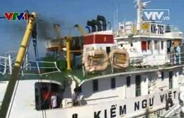 Tin mới nhận: Tàu cá Trung Quốc đâm chìm tàu cá Việt Nam (VIDEO)