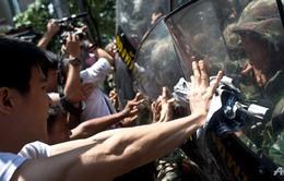 Bất chấp cảnh báo, người biểu tình Thái Lan tiếp tục xuống đường