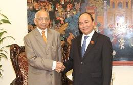 Phó Thủ tướng Nguyễn Xuân Phúc tiếp Chủ tịch danh dự Hội Luật gia Dân chủ quốc tế