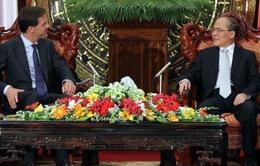 Chủ tịch Quốc hội Nguyễn Sinh Hùng tiếp Thủ tướng Hà Lan