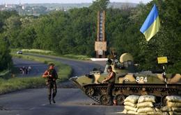 Tổng thống Ukraine ra lệnh siết chặt vòng vây tại miền Đông Ukraine