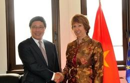 Phó Thủ tướng tiếp xúc song phương bên lề Hội nghị ASEAN-EU
