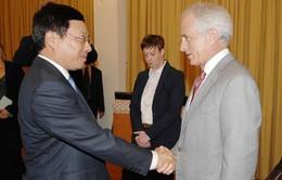 Phó Thủ tướng Phạm Bình Minh tiếp Thượng Nghị sỹ Hoa Kỳ