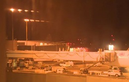 Máy bay Mỹ hạ cánh khẩn cấp ở Canada vì hỏa hoạn