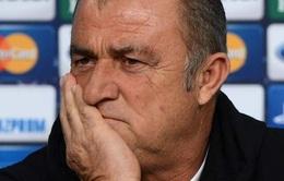 """Thua """"tan tác"""" Real, HLV Galatasaray chỉ trích trọng tài"""