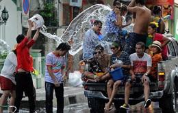 Toàn cảnh lễ hội té nước Songkran 2013
