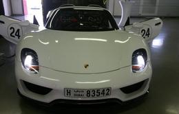 Siêu xe Porsche 918 Spyder bất ngờ xuất hiện tại Dubai