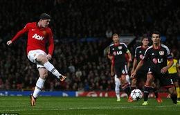Rooney cán mốc 200 bàn thắng nhờ may mắn?