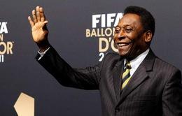 """Sách mới của """"Vua bóng đá"""" Pele siêu đắt"""