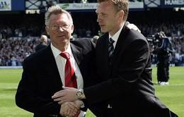 """Man Utd nhạt nhoà, SIr Alex """"động viên"""" HLV Moyes"""
