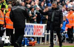 Chelsea thua sốc, Mourinho nhận trách nhiệm