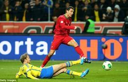 """Cris Ronaldo bất ngờ được """"đại kình địch"""" ngợi khen"""