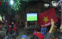 CĐV bóng đá Hà Nội cuồng nhiệt cổ vũ U19 Việt Nam